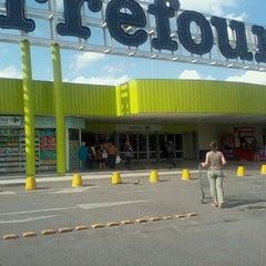 Photo taken at Carrefour by Reinaldo P. on 10/26/2011
