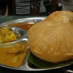 Photo taken at Restoran Original Penang Kayu Nasi Kandar by Nadine D. on 9/7/2011
