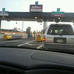 Photo taken at E-ZPass Stop-in Center - Fort McHenry Tunnel by Veronica S. on 9/25/2011