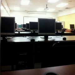 Photo taken at Monroe College - King Hall by Antwone L. on 8/1/2012