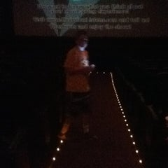 Photo taken at Bow Tie Cinemas Warner Quad by Griffin on 8/22/2012