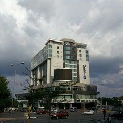 Photo taken at Radisson Blu Gautrain Hotel by fm.no.mad/ZA on 12/23/2011