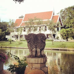 Photo taken at วัดญาณเวศกวัน (Wat Nyanavesakavan) by DiN on 8/12/2012