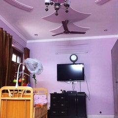 Photo taken at pitam pura by Ravi L. on 8/18/2012