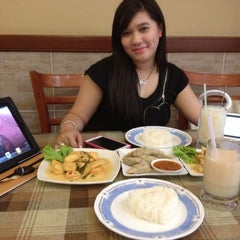 Photo taken at Sweet Lemongrass Restaurant Pandan by MamingNisa D. on 8/31/2012