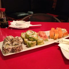 Photo taken at Ocho Sushi - Bar by Juanpablo D. on 4/7/2012