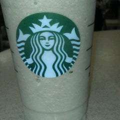 Photo taken at Starbucks by Romulo S. on 1/27/2012