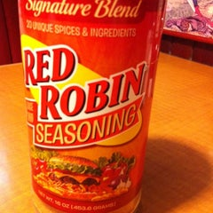 Photo taken at Red Robin Gourmet Burgers by Brittany L. on 3/14/2012