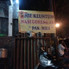 "Photo taken at Mie Kluntung/Nasi Goreng Jawa ""Pak Muji"" by Isra D. on 9/7/2012"