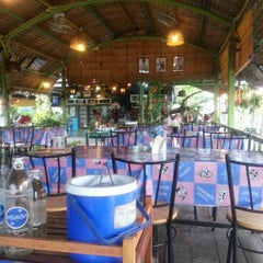 Photo taken at ร้านอาหารปั้นหยา by Kate K. on 8/10/2012