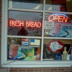 Photo taken at Main Street Bagel Deli by Crystal T. on 11/15/2011