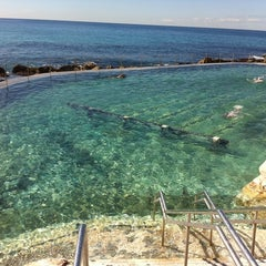 Photo taken at Bronte Beach Pool by Simo F. on 4/4/2011