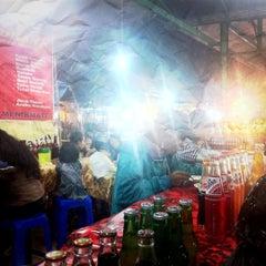 Photo taken at Kereneng Food & Fashion Center by Armika J. on 10/2/2011