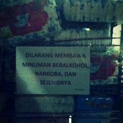 Photo taken at 45Mart (Jln Kayu Tangi) by ermansyah N. on 1/29/2012