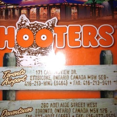 Photo taken at Hooters by Oliver A. on 9/1/2012
