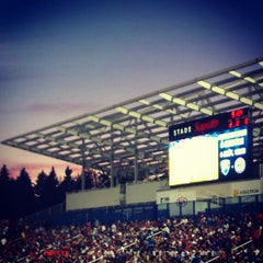 Photo taken at Stade Saputo by Thuymi D. on 7/29/2012