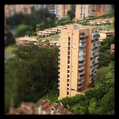 Photo taken at Edificio Metropolitan by Federico G. on 6/9/2012