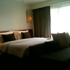 Photo taken at Woodlands Suites Serviced Residences Pattaya by Sunisa P. on 2/18/2011