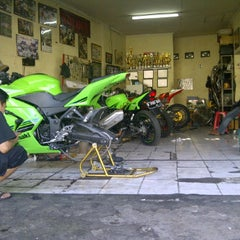 Photo taken at Anjany Racing by fandi a. on 10/29/2011