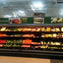 Photo taken at Walmart Supercenter by Antonel N. on 12/18/2011