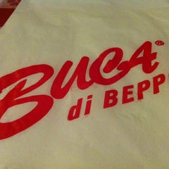Photo taken at Buca di Beppo Italian Restaurant by Alfonso C. on 6/4/2012