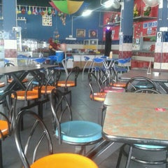 Photo taken at Restoran D'warna warni by baen z. on 1/12/2012