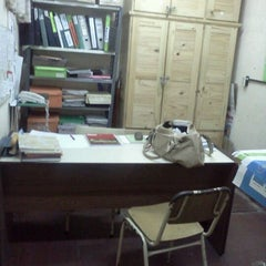 Photo taken at E.S.B. 9 by Néstor Eugenio F. on 3/13/2012