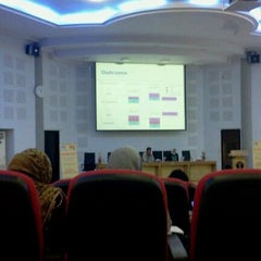 Photo taken at Fakultas Kedokteran by Isti'anah B. on 11/9/2011