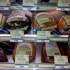 Photo taken at Giant Eagle Supermarket by Darcie B. on 7/21/2012