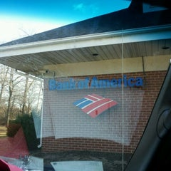 Photo taken at Bank Of America by Jermal S. on 1/14/2012