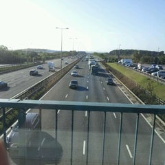 Photo taken at Leicester Forest Motorway Services (Welcome Break) by Daniel A. on 9/13/2011