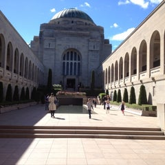 Photo taken at Australian War Memorial by Susanne C. on 4/11/2012