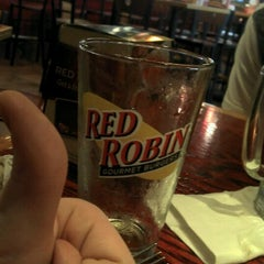 Photo taken at Red Robin Gourmet Burgers by Tegan S. on 9/11/2011