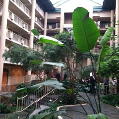 Photo taken at Embassy Suites by Hilton Syracuse by Greg R. on 9/24/2011