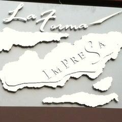 Photo taken at La Forma Impresa by Fitt F. on 11/5/2011