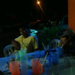 Photo taken at Murtabak Singapura by chot on 9/17/2011