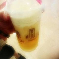 Photo taken at 貢茶 Gong Cha by Kay N. on 4/1/2012