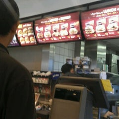 Photo taken at McDonald's & McCafé by Muhammad Hanifi C. on 3/10/2012