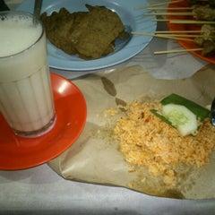 Photo taken at Susu Segar Shi Jack by Dewi A. on 8/22/2012