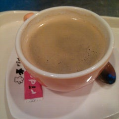 Photo taken at 里豆咖啡 Rido Coffee 環亞店 by Joseph L. on 7/24/2012