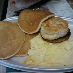 Photo taken at McDonald's by Stephen Y. on 2/19/2012