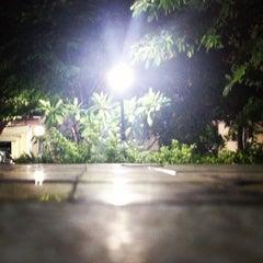 Photo taken at เจ๊หนูมุมนั่งเล่น by Badee M. on 5/6/2012