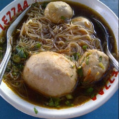 Photo taken at Bakso Green Garden by Liliana T. on 2/23/2012