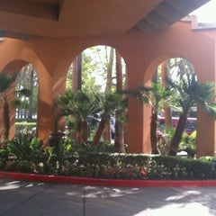 Photo taken at Crowne Plaza Anaheim Resort by Mary P. on 8/26/2011