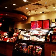 Photo taken at Starbucks by Justin U. on 12/3/2011