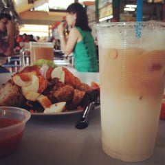 Photo taken at Ayer Rajah (West Coast Drive) Market & Food Centre by Rushdy on 3/16/2012
