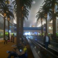 Photo taken at Terminal 1 المبنى by Abdullah Y. on 8/26/2012