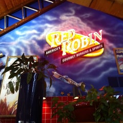 Photo taken at Red Robin Gourmet Burgers by Pamela K. on 6/7/2011