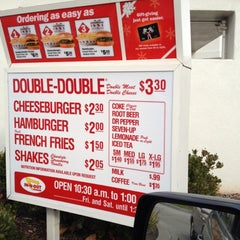 Photo taken at In-N-Out Burger by Ryan H. on 12/12/2011