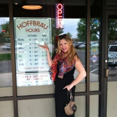 Photo taken at Hoffbrau Bar & Grill by 😜 Heather S. on 7/4/2012